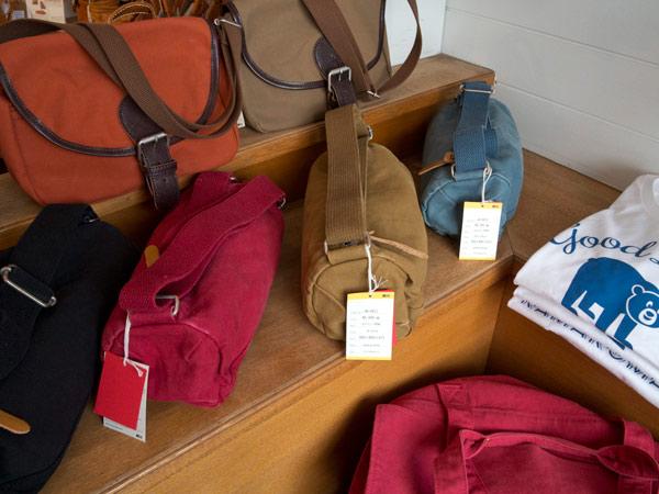 kitchiのコットンバッグ(5,300円)。日本製で丁寧なつくり。