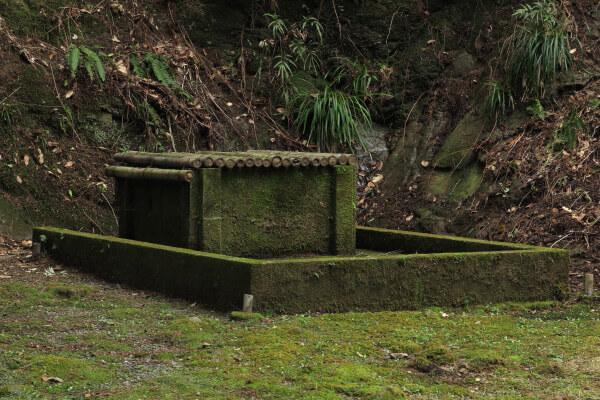 清澄寺、練行場にある練行の井戸。