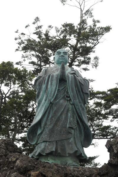 清澄寺、旭が森の日蓮像。