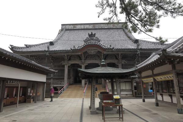 誕生寺、祖師堂。