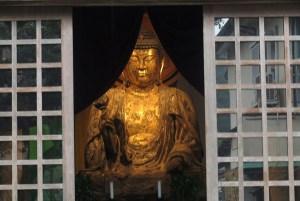 修禅寺。指月殿。禅宗式丈六釈迦如来坐像。