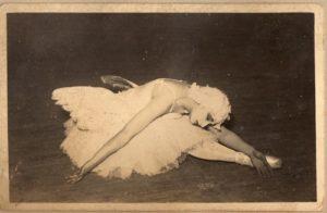 瀕死の白鳥を踊るエリアナ
