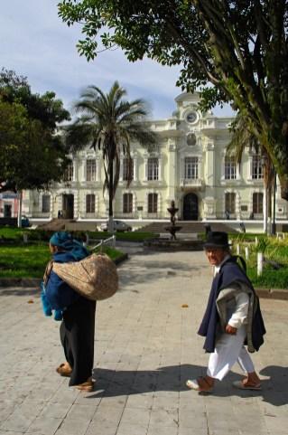 ECUADOR. OTAVALO. Ayuntamiento.