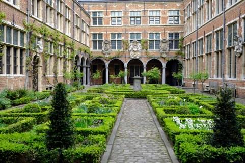 Jardín Plantin-Moretus.