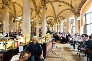 Café Central.