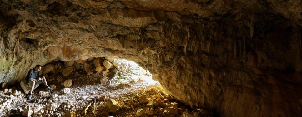 Cueva en la vall Closa.