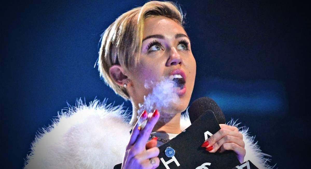 Miley Cyrus sa vrátila k mariške