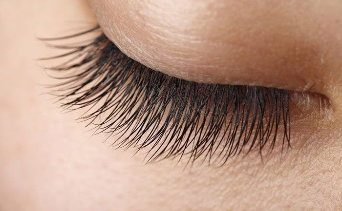 Tips To Grow Your Lashes