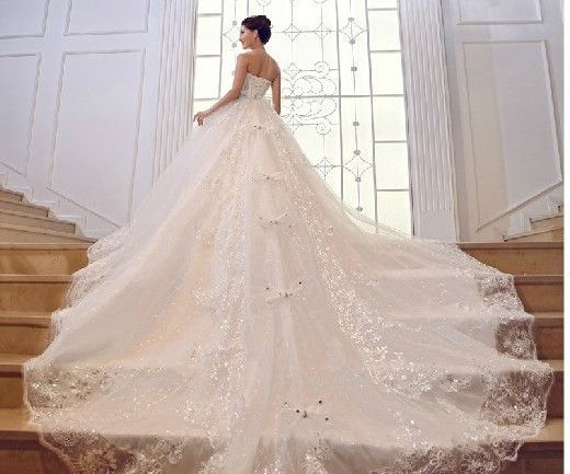 Amazing Wedding Gowns For That Special Day