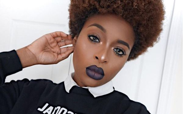 Ronke Raji Shows Us How To Line/Define Your Lips Perfectly!