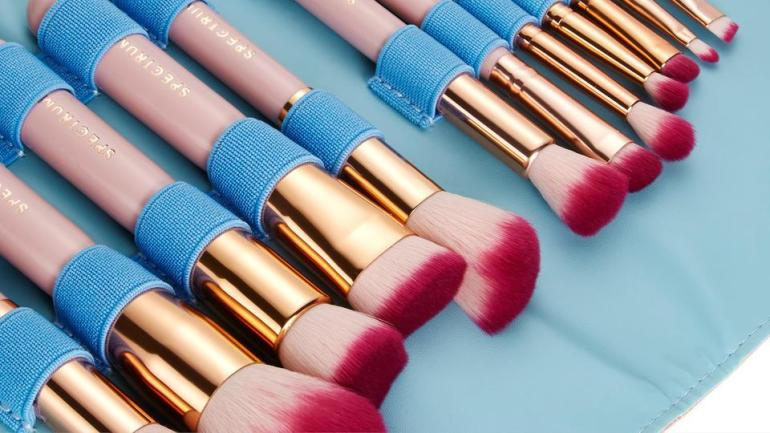 On Beauty Today – 5 Of The Best Makeup Brush Sets Ever!