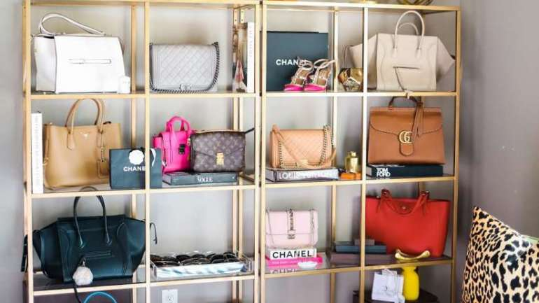 Some Practical Ways To Use Purses As A Decor At Home