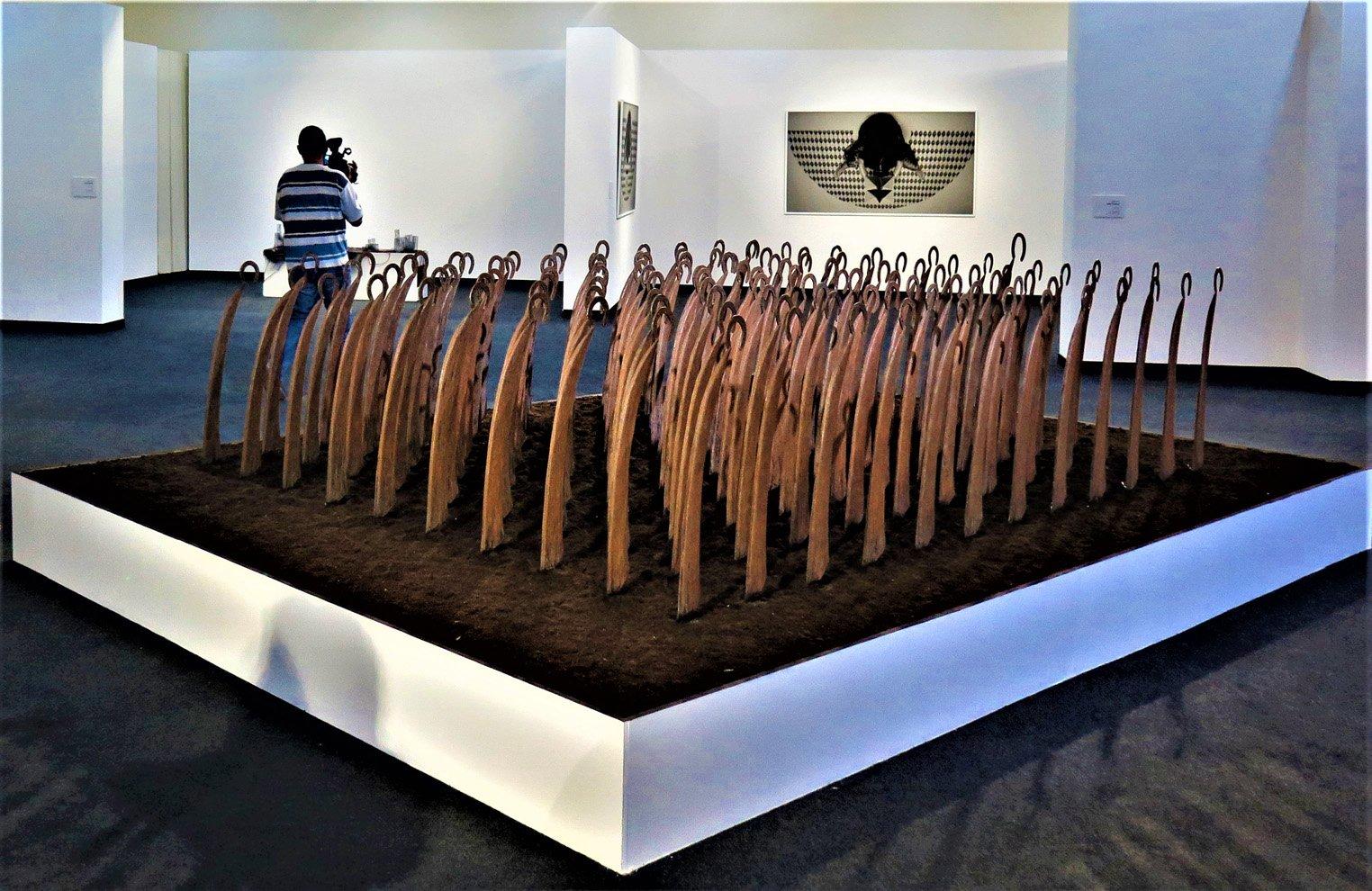 L'armée des faux 2 oeuvre artiste contemporain Kamel Yahiaoui