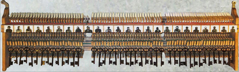 Les clés du sol oeuvre artiste contemporain Kamel Yahiaoui