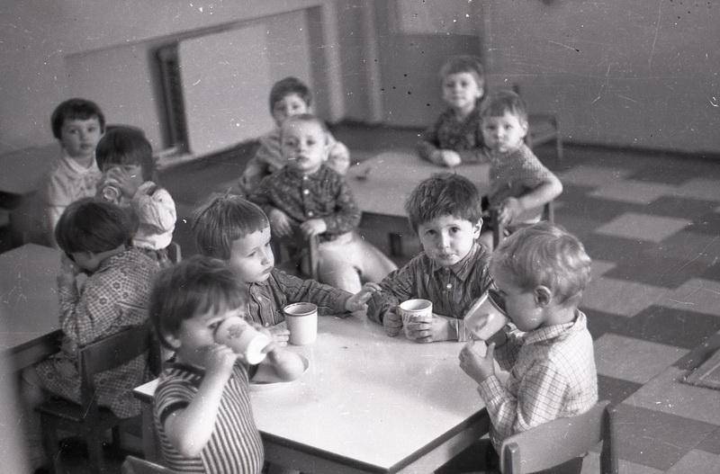 Будучыя вучні школы нумар 2 у суседнім з ёй садку, 1984 год