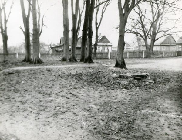 Остатки фундамента церкви, 1996 год