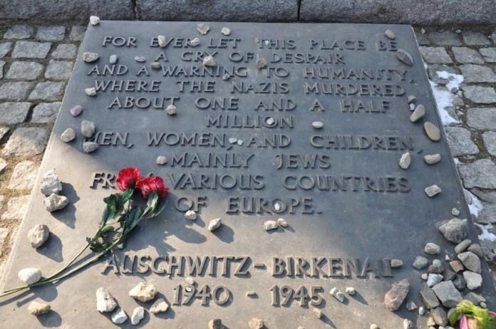 Auschwitz ploča