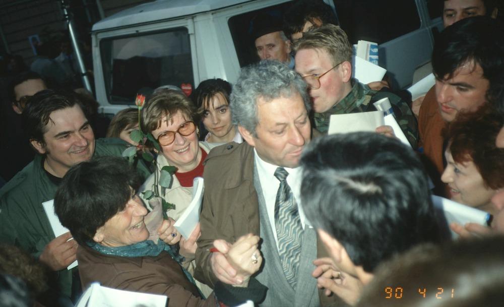 http://hrvatskifokus-2021.ga/wp-content/uploads/2017/04/i0.wp.com_kamenjar.com_wp-content_uploads_2017_02_1990-MARKO-VESELICA.jpg