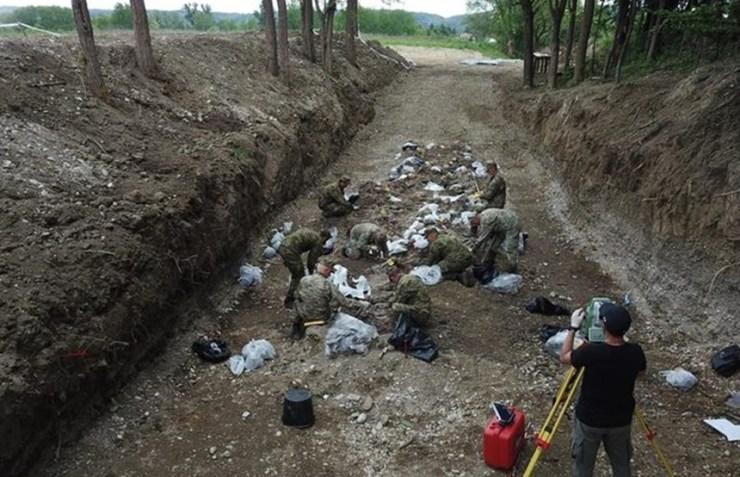 Brdovec: Ekshumirani posmrtni ostatci najmanje 130 žrtava ...