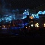 【USJ】ユニバーサルのナイトパレードであの蒸気機関車が動きだす!?