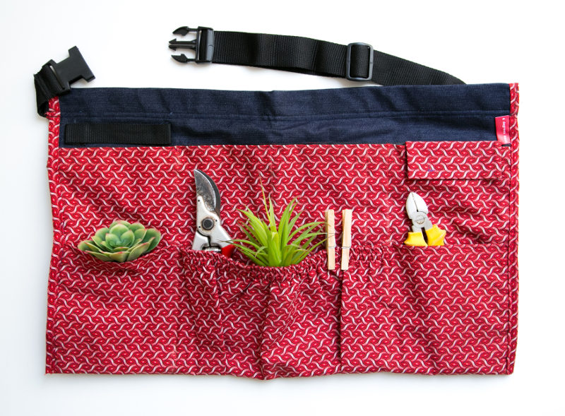6 Degrees East garden apron