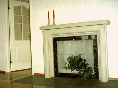 kamin, kaunis, kaminal ilus dolomiidist vooderdis, avatud kolle, ei ole ahi, on südamik, üleskäiva uksega. korsten, tuletoru, korsten viib suitsu korstnasse, lisatud kaunis element, asub esimesel korrusel