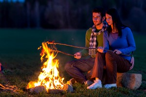 Feuerstelle Im Garten  Feuerholz & Lagerfeuer