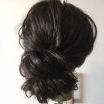 くせ毛を可愛くまとめちゃお❣ ヘアゴム一つで出来る簡単シニヨン