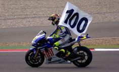 1024px-Valentino_Rossi_vittoria_100