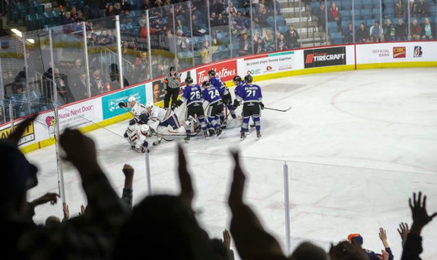 BLAZERS CLINCH PLAYOFF SPOT IN 5-3 WIN OVER ROYALS – Kamloops Blazers