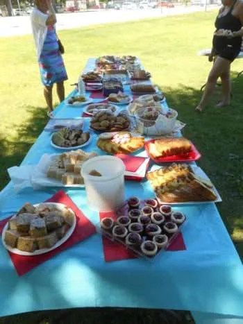 Picnic Time! Sweets and treats!