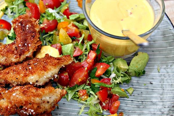 Knasende sprød kylling med Mango dip samt salsa