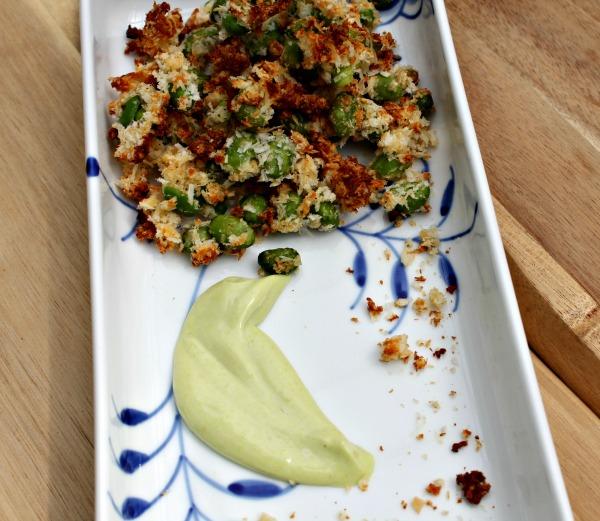 Edamame snacks med med wasabi dip
