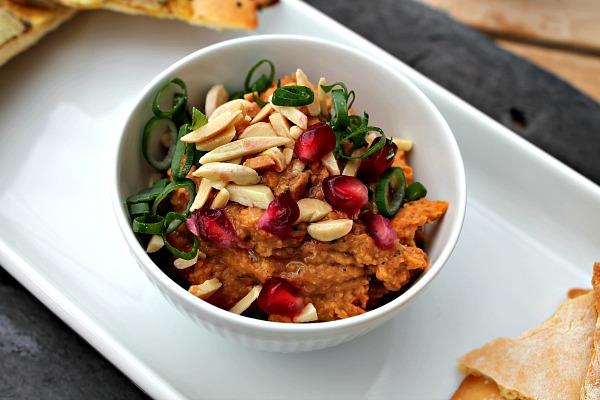 Dip bagt gulerods-kikærtedip med chili