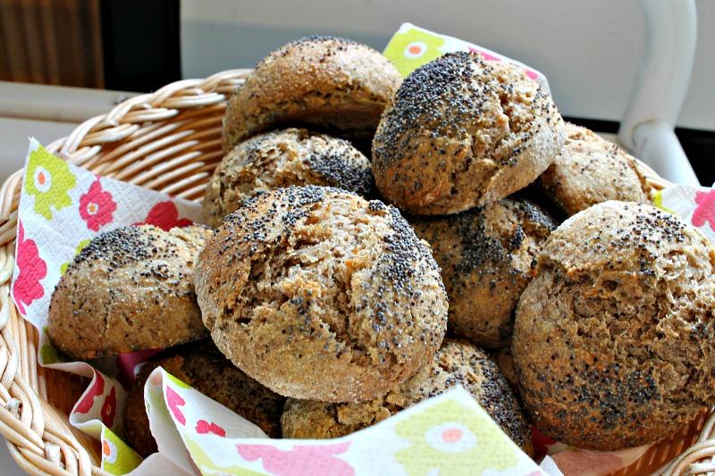Rugbrødsboller – gode til madpakken