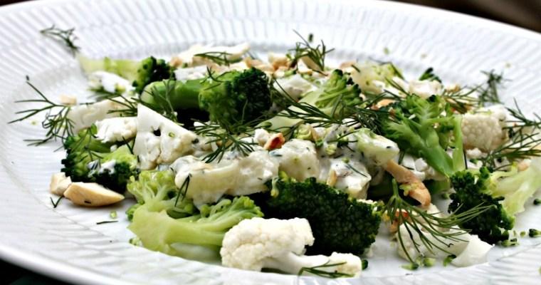 Blomkål – broccoli med dild-mayo, jordnødder samt dild