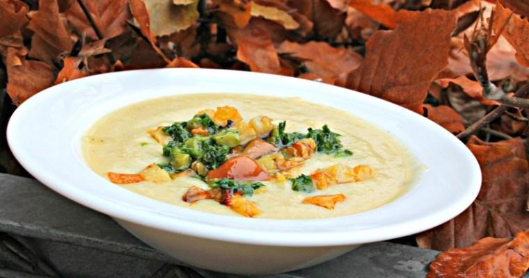 Persillerodssuppe med bagt pastinak & syltede svampe