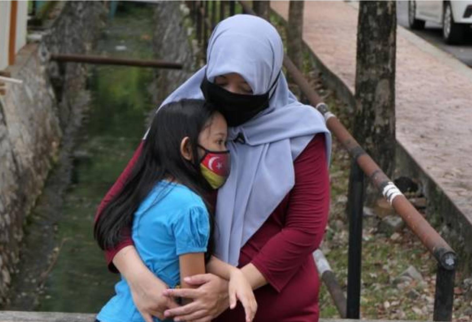 'Ada masa saya tiada beras, terpaksa meminta kepada yang ada' – Ibu tunggal M40