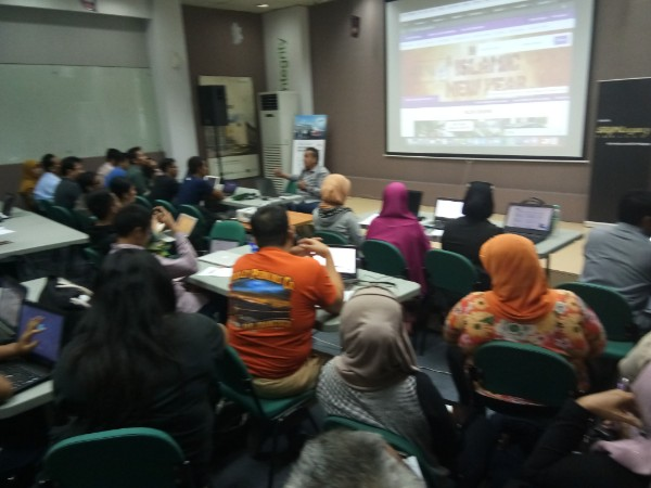 1,076 Belajar Internet Marketing Bandung