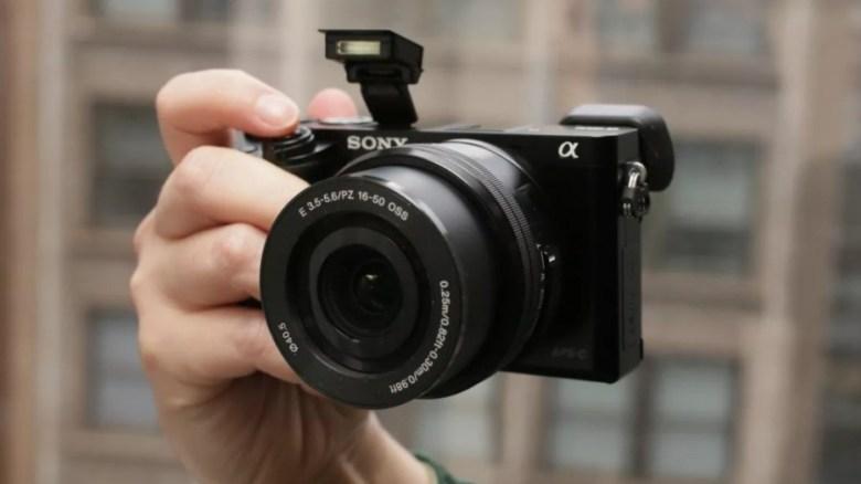Kamera Youtuber Sony Alpha A6000
