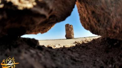 Photo of بالصور: منارة موجدة صرح تاريخي في صحراء كربلاء المقدسة.
