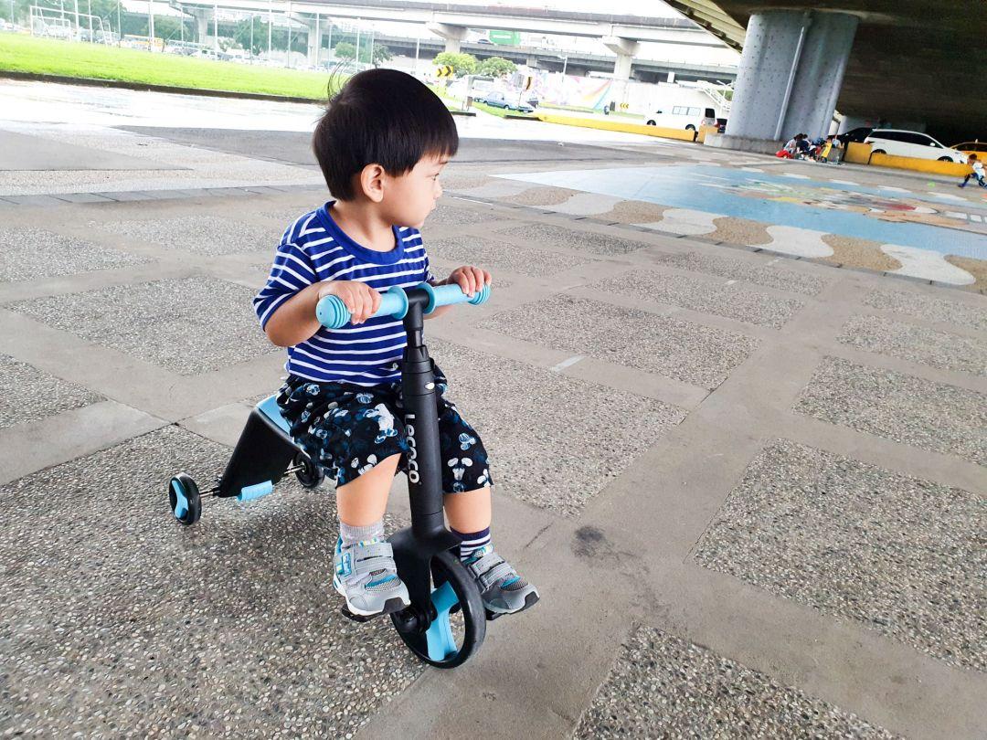 20200522 163718 compressed 20200522 163718 compressed 育兒開箱 孩子們最愛 超買單的義大利Lecoco三合一兒童滑板車滑步車 Lecoco, 三合一兒童滑板車滑步車, 三輪車, 滑板車, 滑步車, 育兒神器