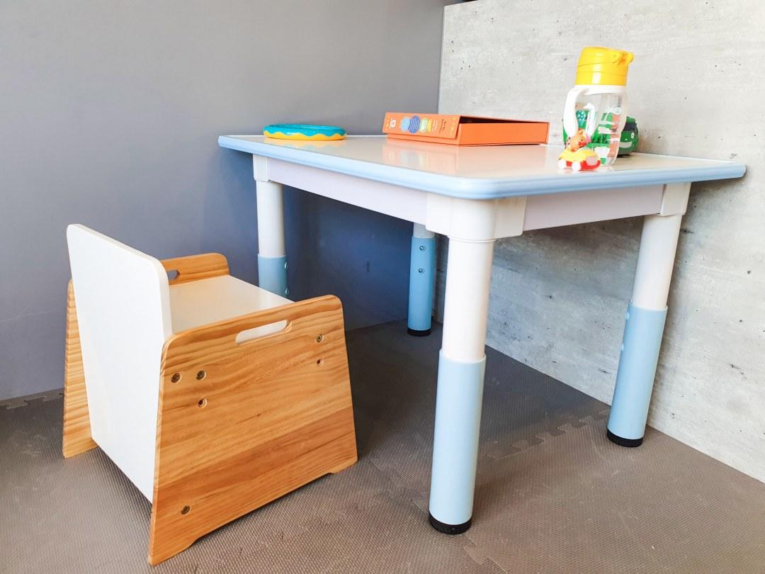 20200818 151404 20200818 151404 育兒日記|價錢可愛又高CP值 Kikimmy我的第一張桌椅 升降桌椅成長型桌椅組 kikimmy, 升降桌, 升降椅, 原木書桌, 原木桌椅, 成長型, 成長型書桌, 成長型桌椅, 成長型椅子, 我的第一張桌子, 我的第一張離乳桌