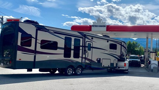 pick-up_camper_hauling_petro-canada