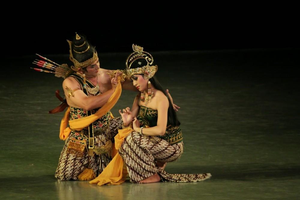 Kisah Cinta Rama Sinta Tersaji Dalam Sendratari Ramayana