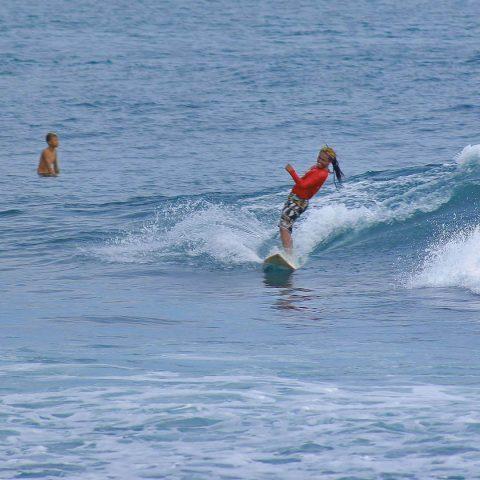 surfing pantai krakal