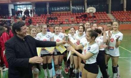"""Одбојкарките на ООУ """"Видое Подгорец"""" станаа државни прваци"""