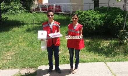 """""""Слатки ноти во име на хуманоста"""" акција на младите од Црвен Крст"""