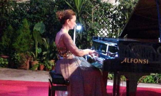 Пијанистката Даница Стојанова ќе настапи во Рим за Денот на независноста