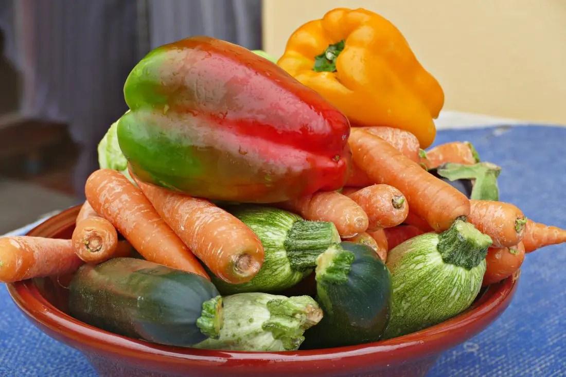 Gemüse Schale